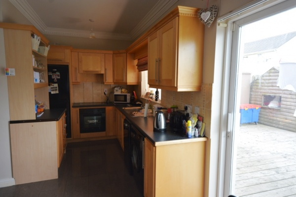 4 Hillview,Carnew,Residential,4 Hillview,Carnew,1061